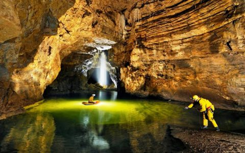 Antibiotic resistant bacteria recovered from a cave?
